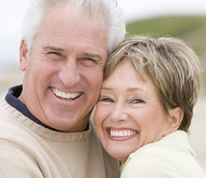 elderly_couple_smile